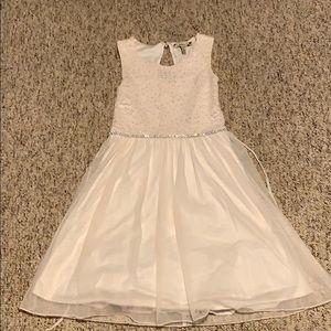 Dresses & Skirts - Girls ivory dress.